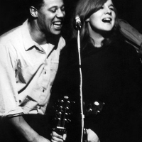 Sandy performing with Johnny Silvo Ray Stevenson (photographer)